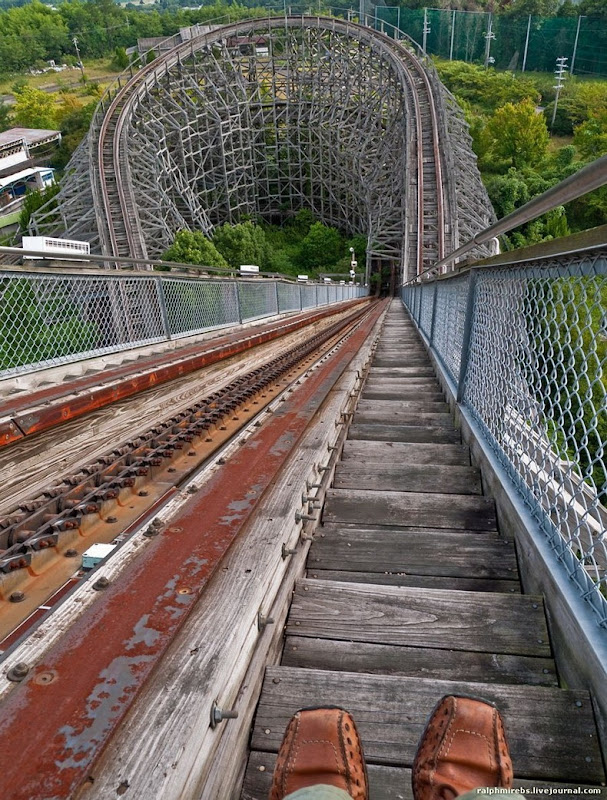 wooden-rollercoaster-6