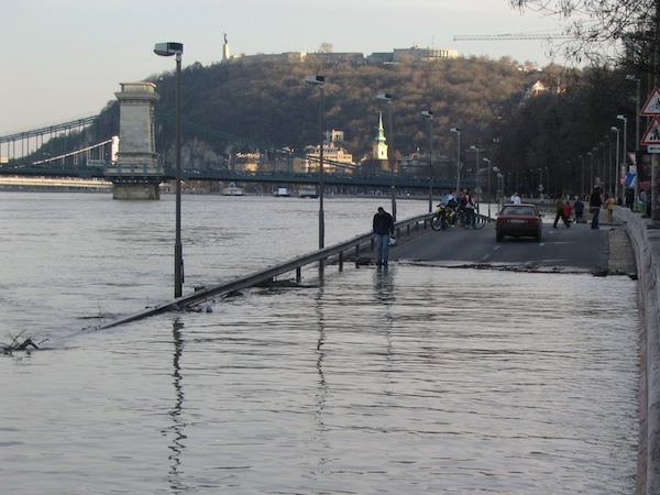 Flooding in Budapest, June 2013. Photo: IPS