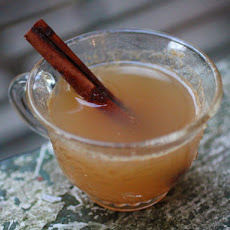Hot Ginger Apple Cider With Applejack