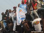 – Quelques partisans de l'UDPS se dirigent vers le stade des martyrs le09/08/2011, pour assisté au meeting de leur leader Etienne Tshisekedi ,lors de son retour à Kinshasa. Radio Okapi/ Ph. John Bompengo