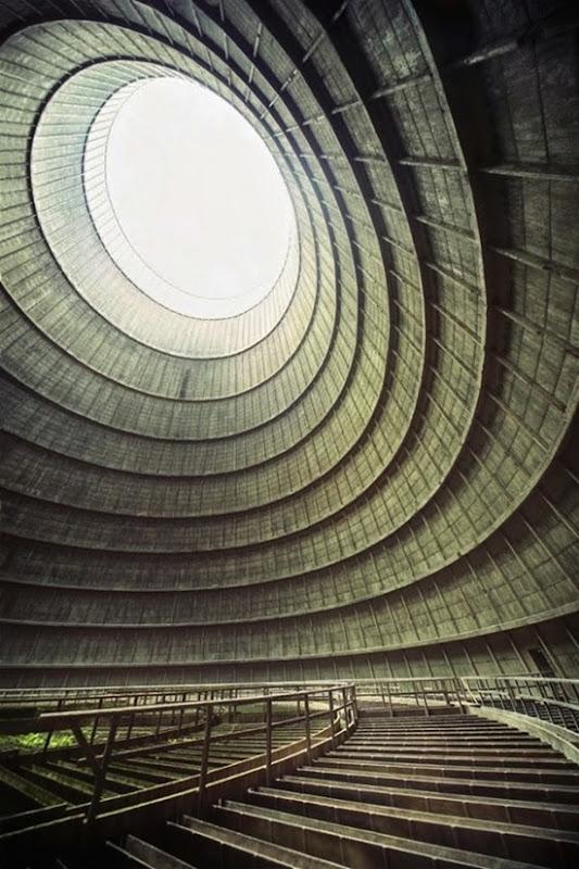 Torre para resfriamento de uma usina abandonada