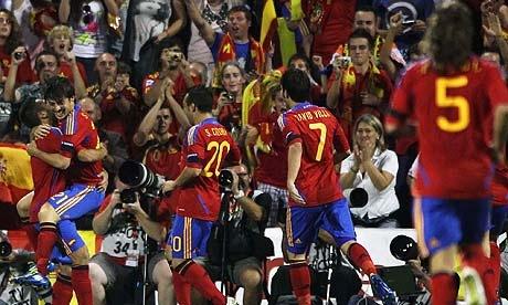 Spain-celebrate-scoring-t-007%25255B2%25255D.jpg