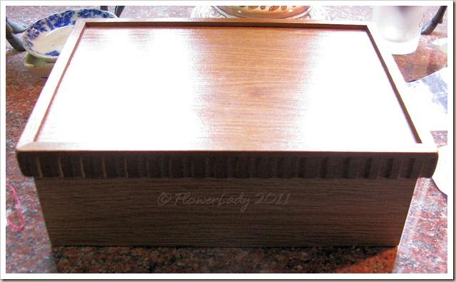 12-25-phone-box