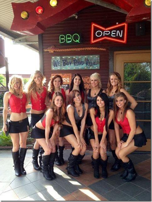 waitresses-happy-work-27