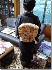 着物でカラオケの会にご出席 (1)