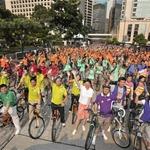 Ciclistas protestam contra as mudanças climáticas em Hong Kong