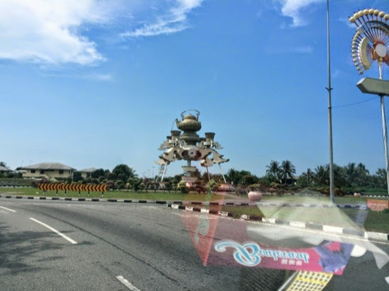 Why is there a giant teapot on the road to Brunei?