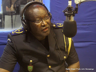 Le gnral Charles Bisengimana au studio de Radio Okapi le 26/09/2011  Kinshasa/ Ph. John Bompengo