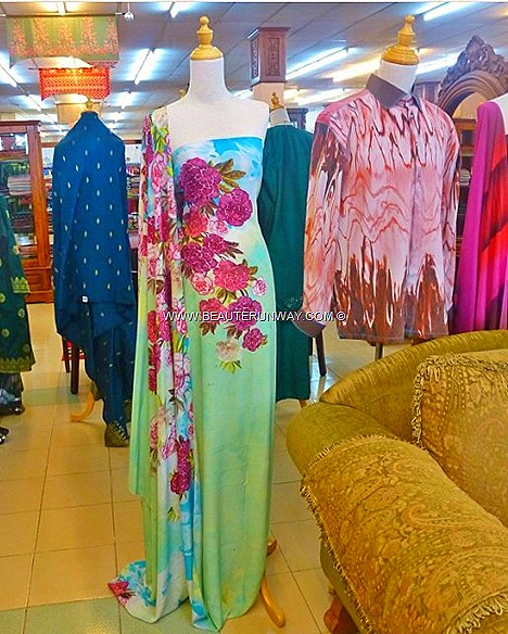 Kelantan Batik Malaysia Nordin Batik's Kota Bharu Boutique largest batik atelier beautiful flora, butterflies sophisticated designs ladies gentlemen hand painted block, screen wading techniques fashionable trendy special occasions