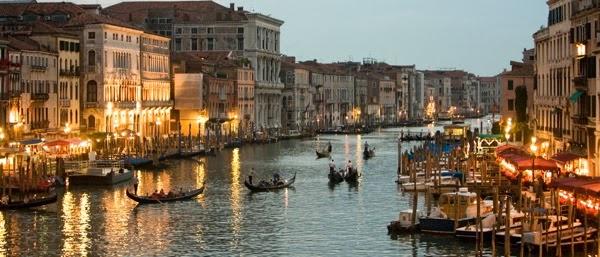 Italy GondolierSlideshow