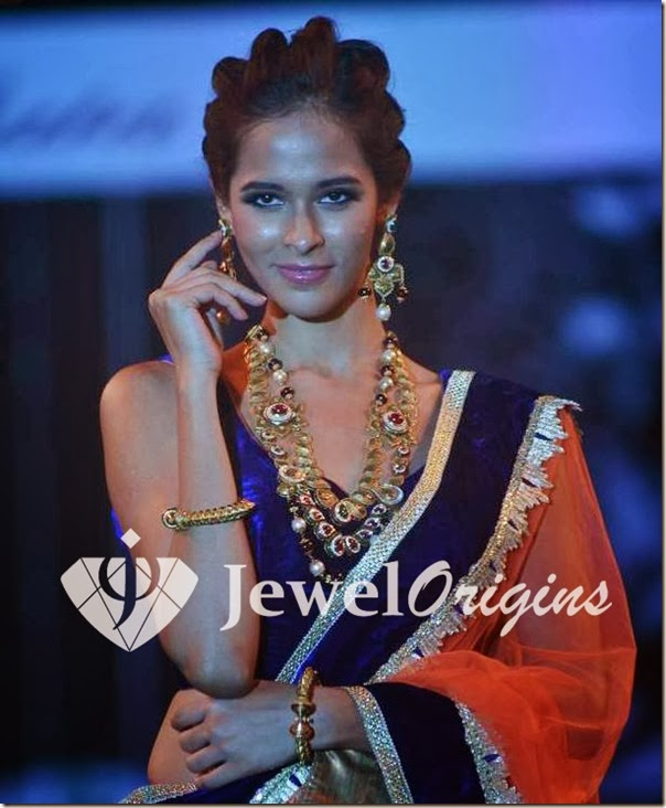Traditional_Gold_Jewellery