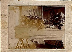 Ola's casket