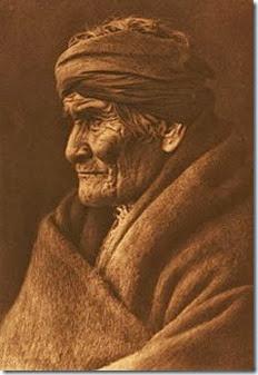 Edward_S._Curtis_Geronimo_Apache_cp01002v[1]