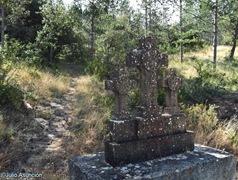 Cruces y comienzo del camino al Castro El Castellar de Javier