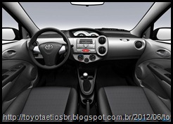 Toyota-Etios-Brasil-2013-interior