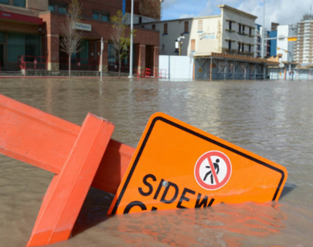 Flooding in Calgary, 22 June 2013. The entire downtown was evacuated as the Bow and Elbow rivers overflowed their banks after two days of heavy rain. Photo: Reuters
