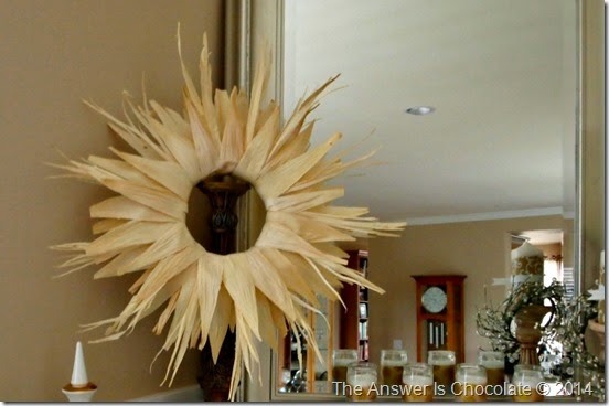 Cornhusk Wreath Mantle