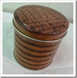 chocolate digestive tin