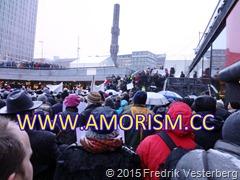 DSC02880.JPG Sergels Torg demonstration för yttrandefrihet Charlie Hebdo m.fl. Med amorism