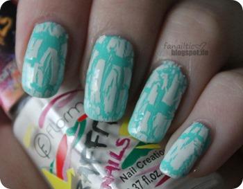 "kiko 389 ""mint milk"" + flormar g13 white graffitti crackling"