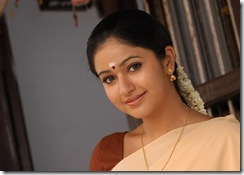 poonam-bajwa super photo