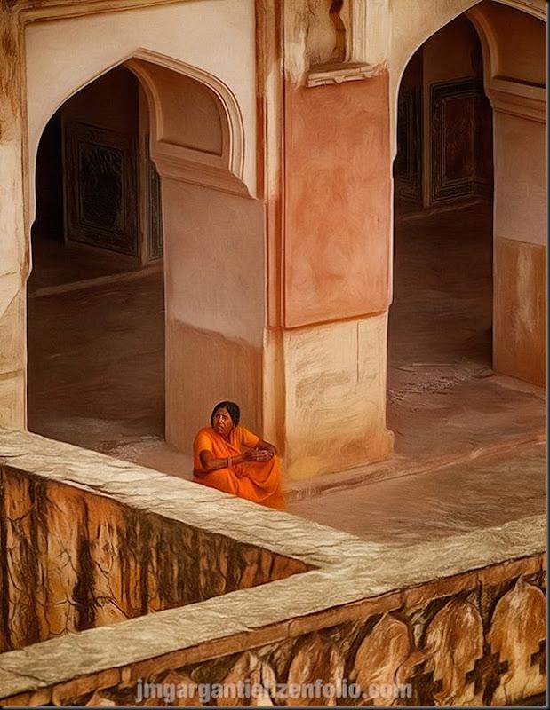 Dans la citadelle de Jaipur, le clash des ocres, oranges, textures et formes...