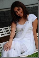 manjari_hot_posing