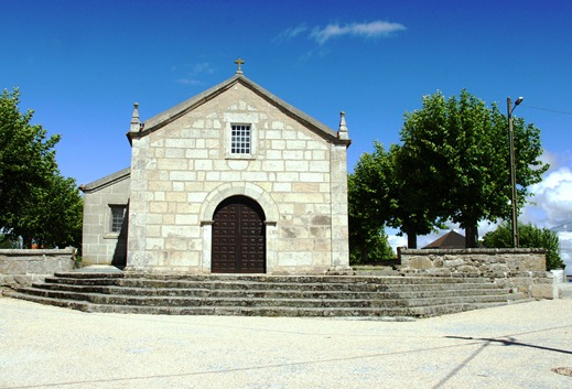 Glória Ishizaka - Vila do Touro - igreja matriz