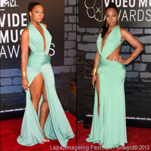 Ashanti-wears-aqua-colored-dress-to-the-MTV-Video-Music-Awards