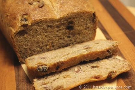 spelt-bread-pecans-raisins_0517