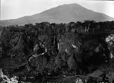 Gunung Singgalang (Christiaan Benjamin Nieuwenhuis, 1892-1922) Courtesy TropenMuseum Archives