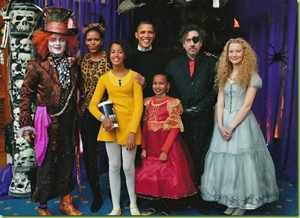 johnny-depp-Alice-in-the-White-House-halloween-2010-johnny-depp-17993446-685-556