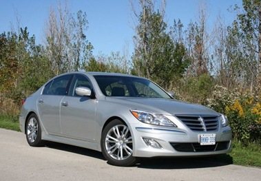 2012-Hyundai-Genesis-Sedan-3.8-Tech-Package
