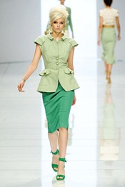 ERMANNO-SCERVINO-SPRING-2012-RTW-PODIUM-004_runway