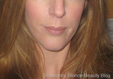 Burberry-Nude-Cashmere-Lipstick-swatch-review