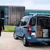 2013-Dacia-Dokker-Official-14.jpg