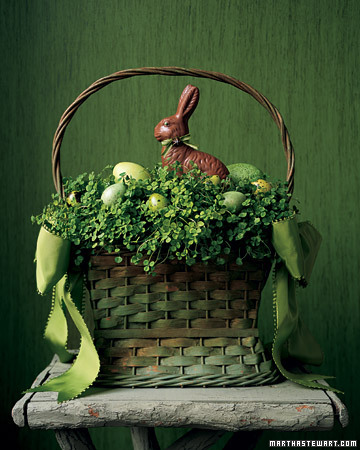 Hannah Milman created this clover basket for Easter a while back. I love the way it turned out. (marthastewart.com)