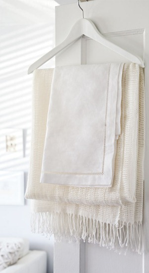 interiors-vintage-whites-towels