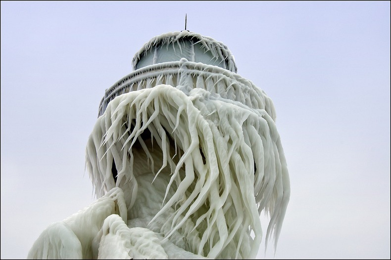 frozen-lighthouses-7