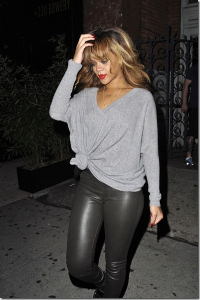 Rihanna Rihanna Goes Back East Village Hotel al4H0kKcZ4Ul