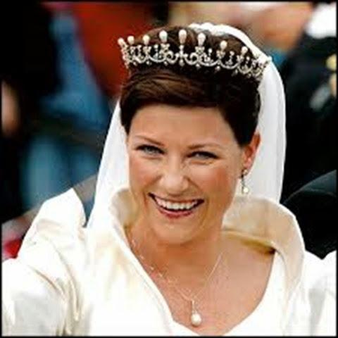 Marta Luisa de Noruega y la tiara de la reina Maud