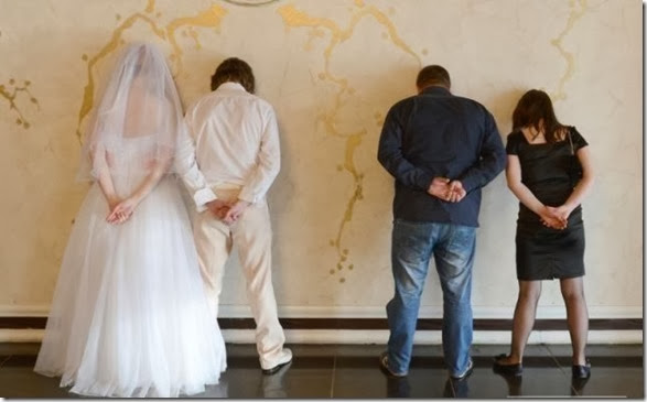 funny-wedding-photos-023