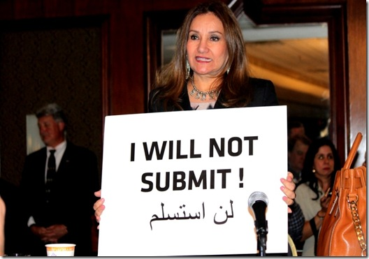 Nonie Darwish - I will not submit