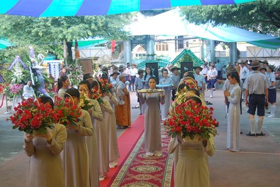 BHD TW GĐPT Việt Nam thành tâm kính viếng tang Ân sư Trưởng lão HT. Thích Minh Châu