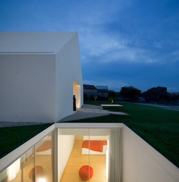 house in leiria by aires mateus 4