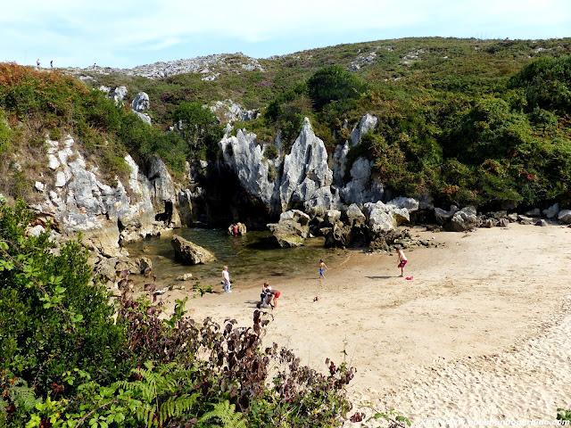 playa-de-gulpiyuri-asturias.JPG