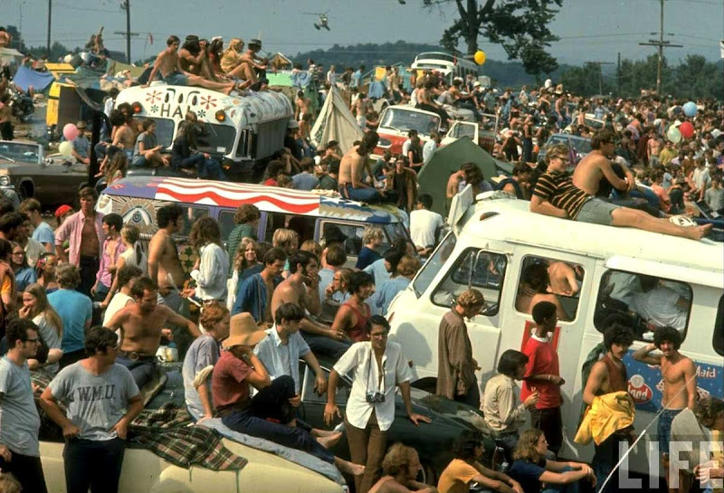 Woodstock_crowd 1.jpg