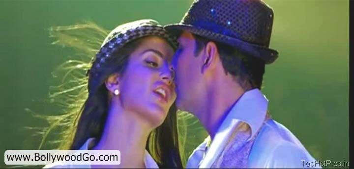 Katrina Kaif Hot Pics Shelia ki Jawani Dance 9
