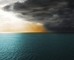 Berarak awan hitam