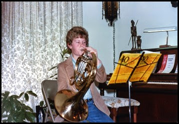 1982-M French horn